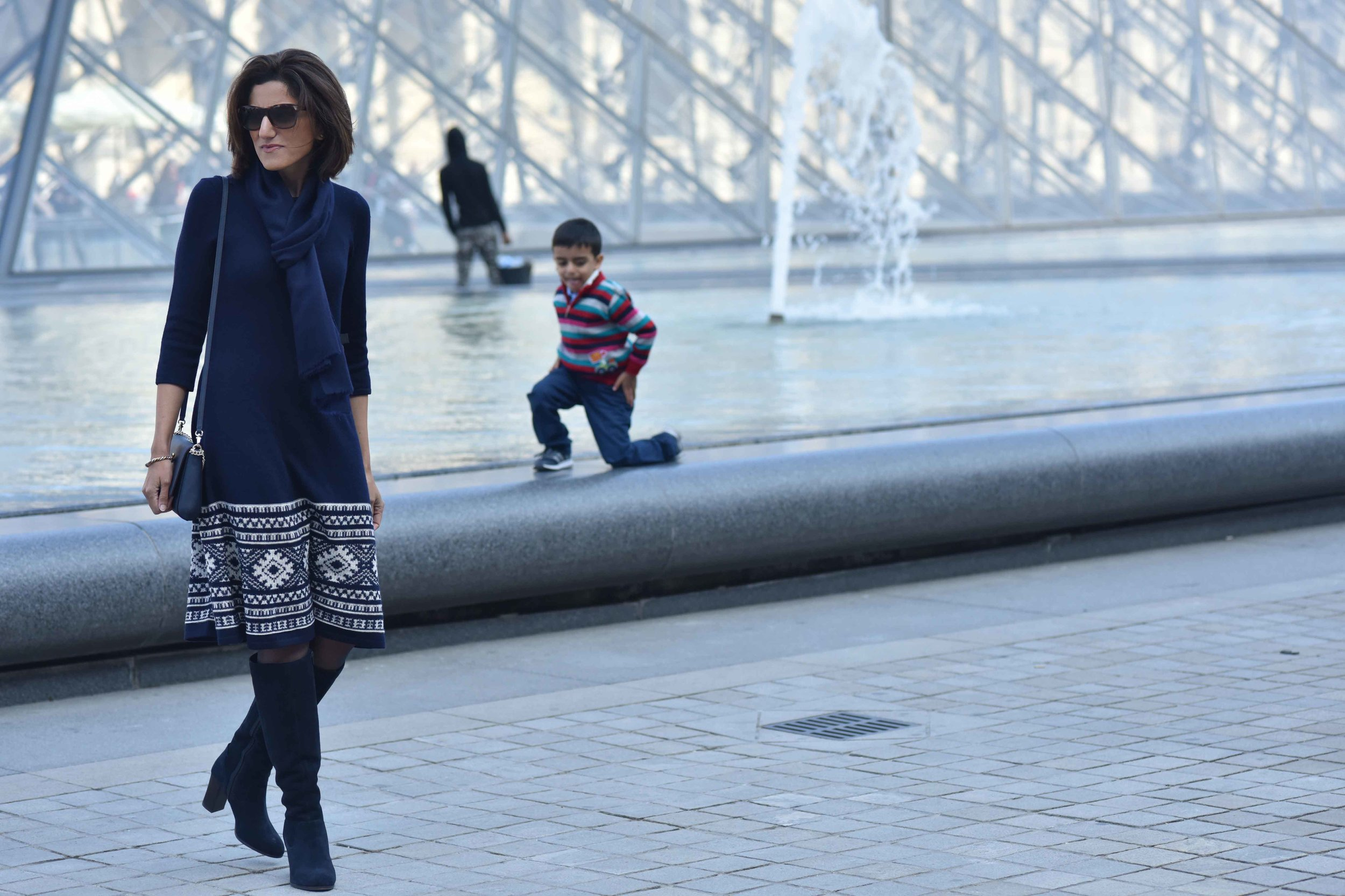 Ralph Lauren woolen jersey knit dress, Kate Spade sling bag, Marks & Spencer knee-high boots. Photo: Nina Shaw Image©sourcingstyle.com