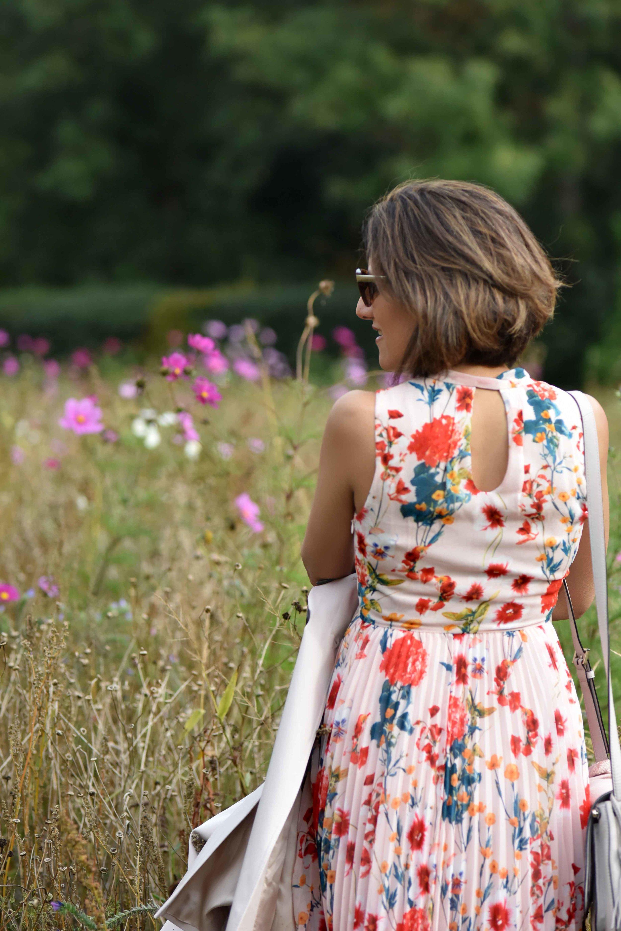 Karen Millen floral summer dress, flower fields, Coworth Park hotel, Ascot. Image©sourcingstyle.com
