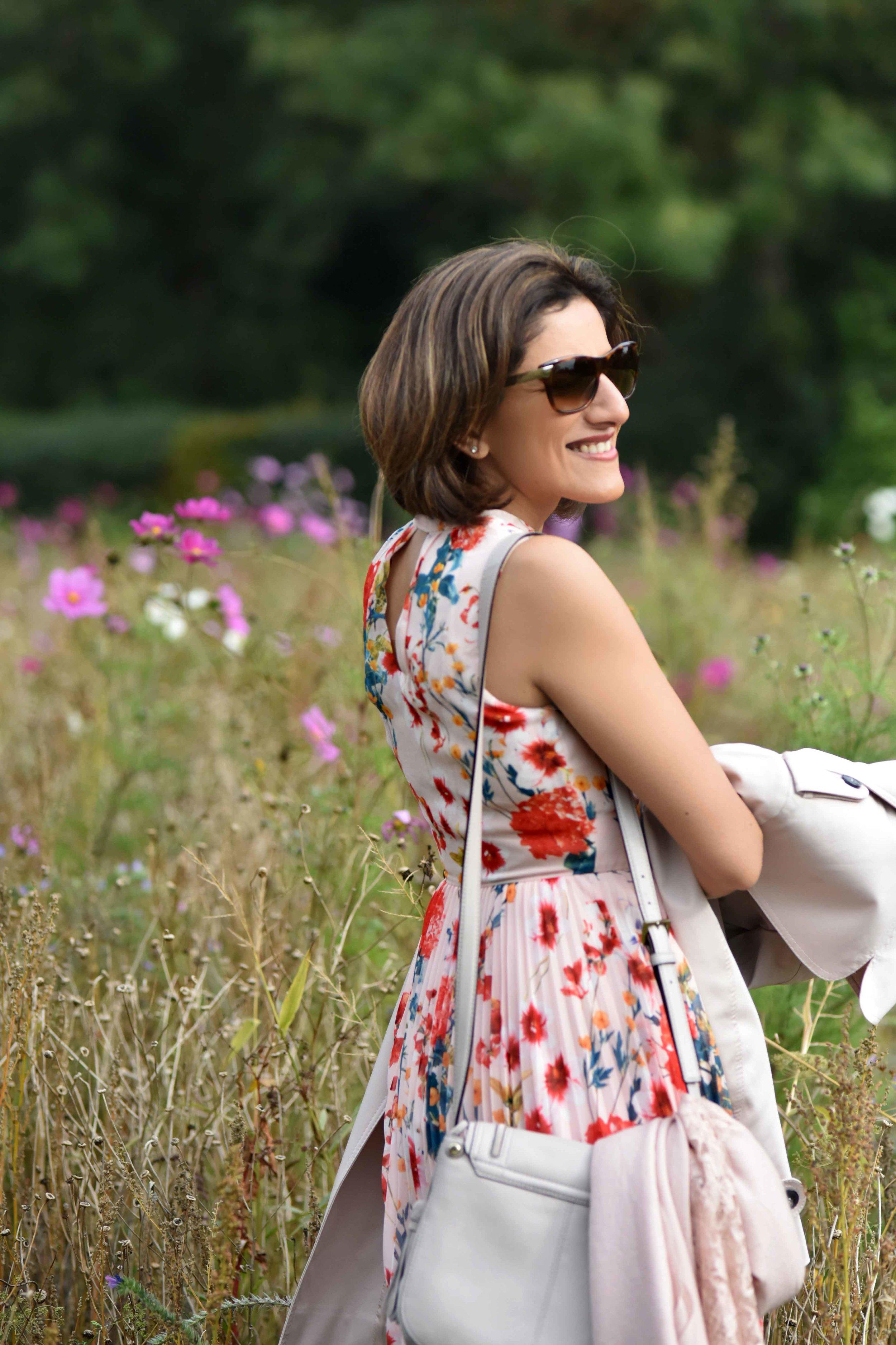 Karen Millen floral summer dress, Kate Spade bag, flower fields, Coworth Park hotel, Ascot. Image©sourcingstyle.com