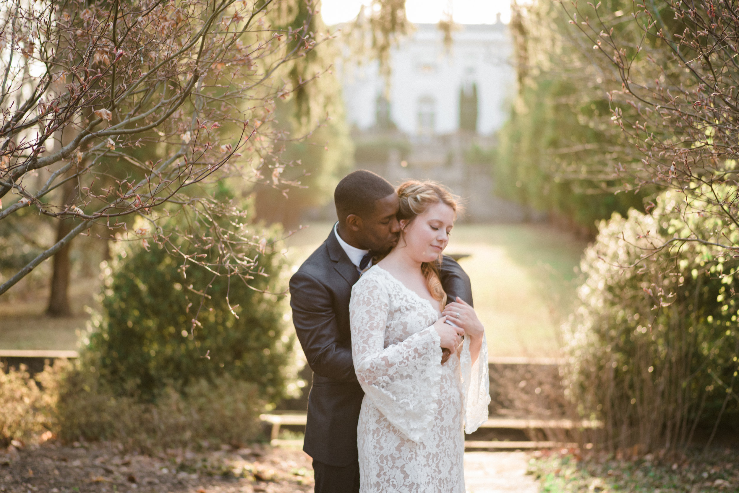 classic-romantic-wedding-maryland-photographer-strong-mansion-fun-reception-dancing-sunlight-sunset-fine-art-portraits