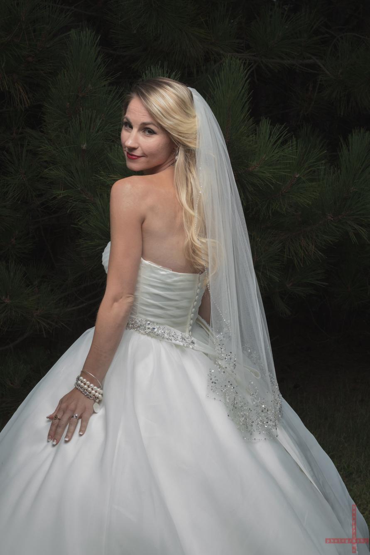 Mrs. Dixon BendersamaPhotography wedding photography