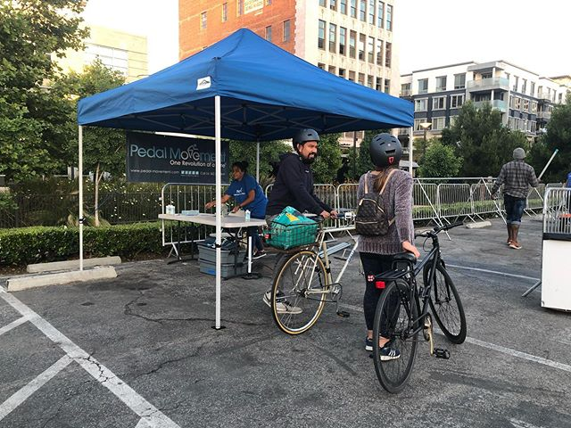 The bike valet is free! Head over for a screening of Ferris Bueller's Day off at the Promenade Parking lot.  Check out @myladiekakes for some sweets and grab some kettle corn 🍿