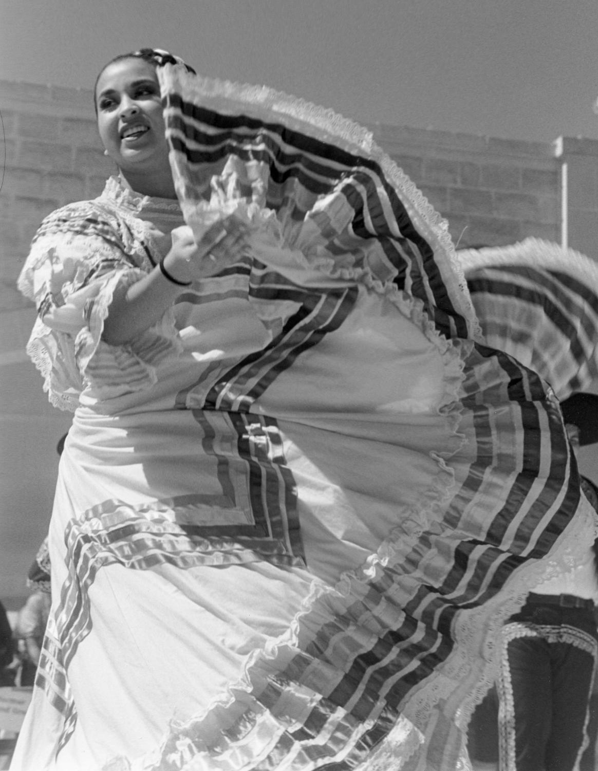 dancer (1 of 1)sm.JPG