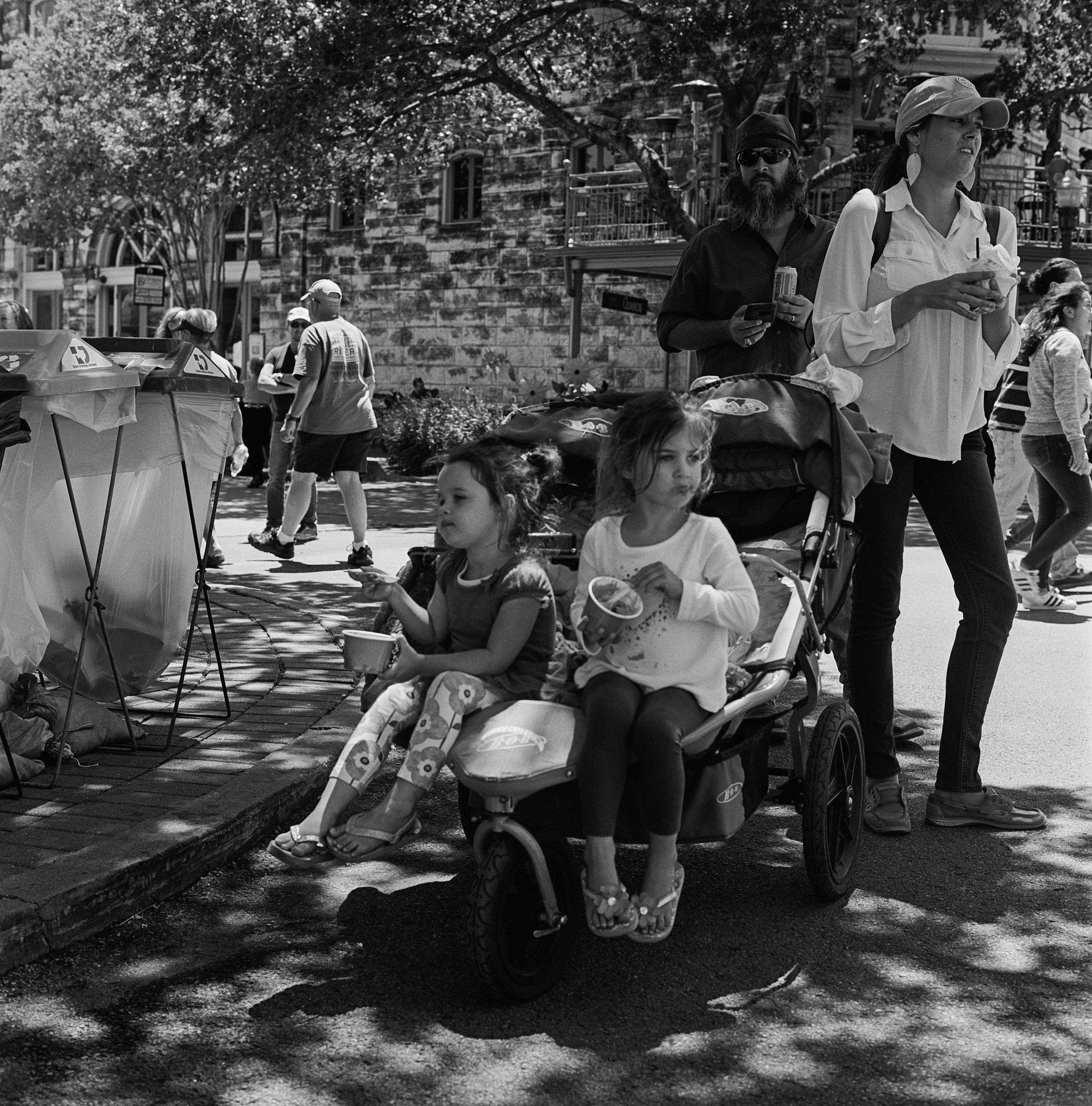 kids with ice cream (1 of 1).jpg