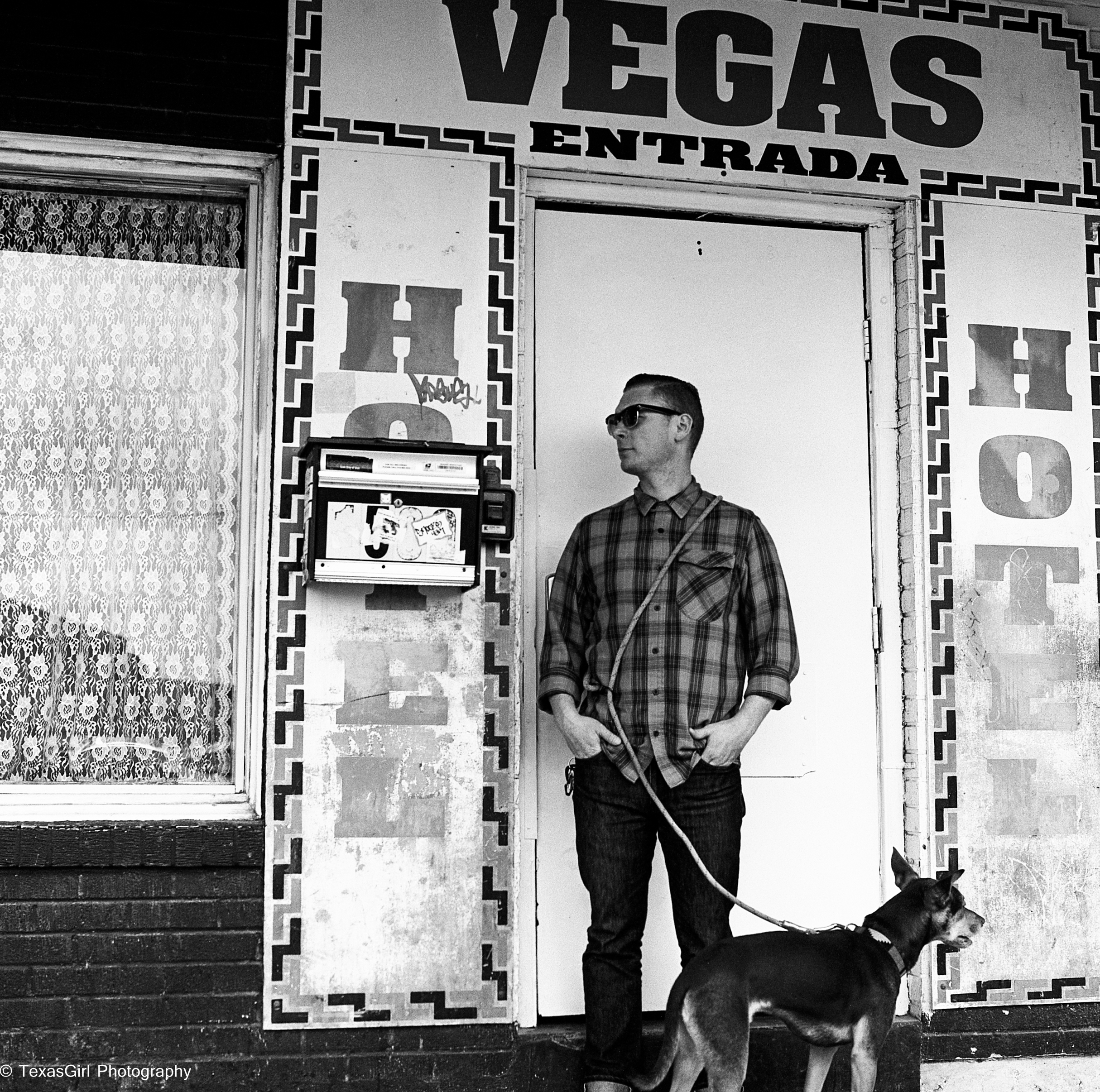 guy in front of hotel vegas door-557.jpg