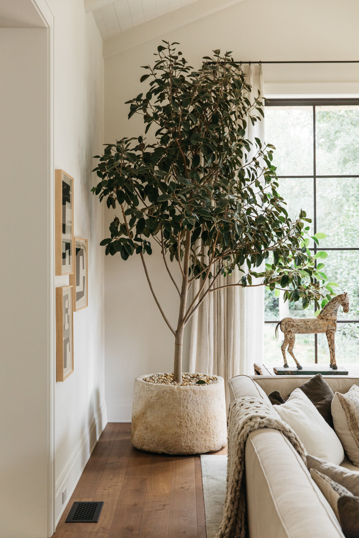 Galerie Provenance Home by Toby Mitchell - Web (12 of 15).jpg