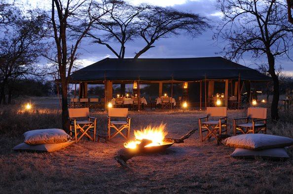 Olakira-Camp-mess-tent-camp-fire-3.jpg