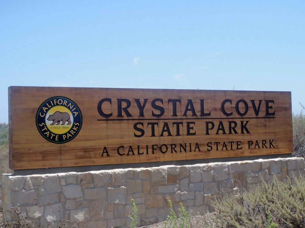 Crystal_cove_state_park_sign.jpg