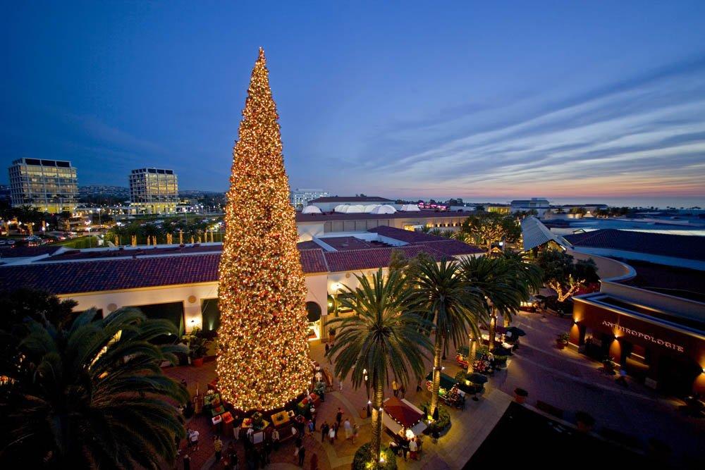 2011-Christmas-Tree-Lighting-at-Fashion-Island-Mall-in-Newport-Beach.jpg