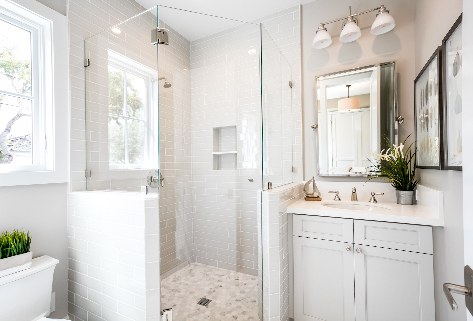Acacia 600 1st Bedroom Bath.jpg