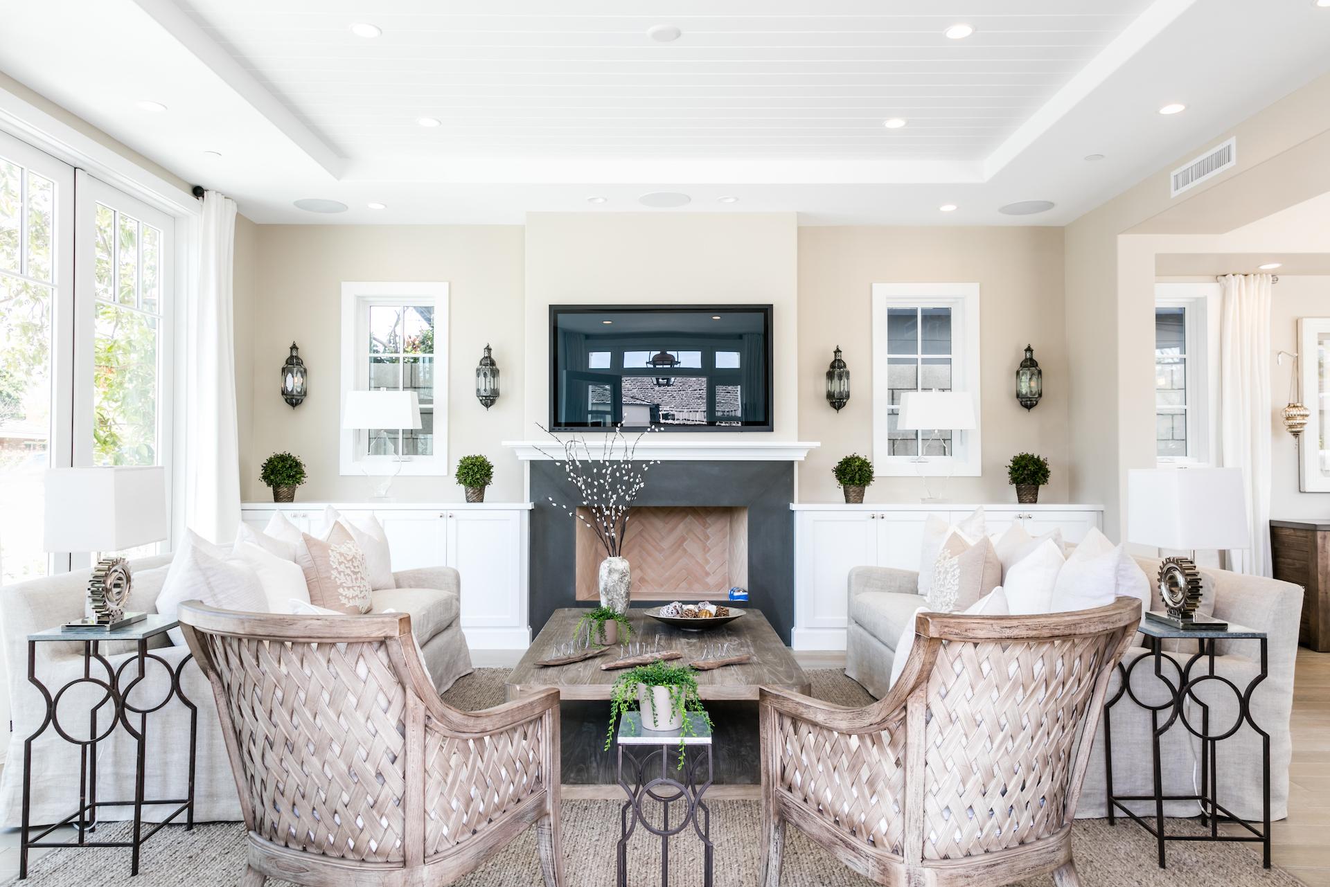 Acacia 600 Living Room 1.jpg