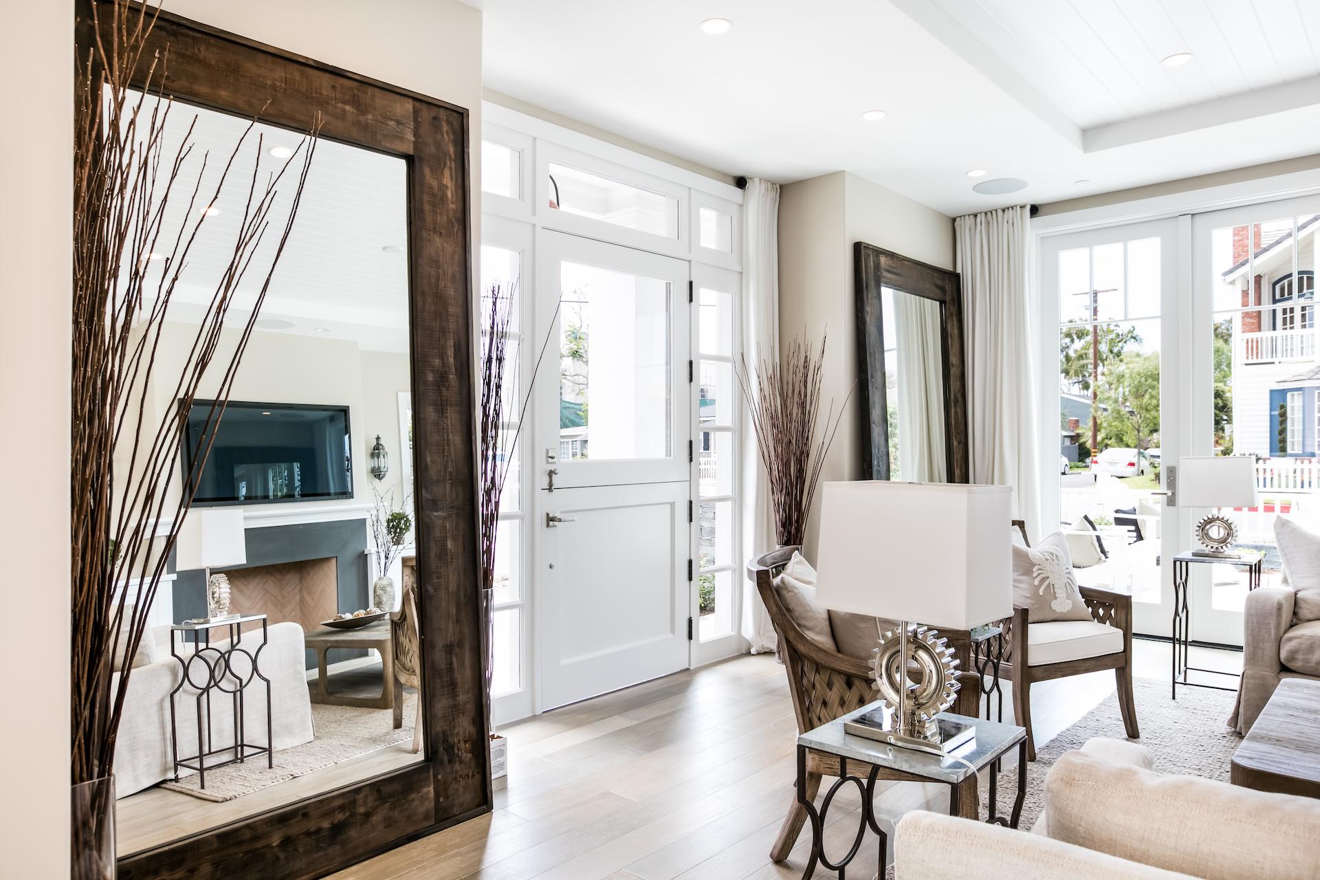 Acacia 600 Living Room 3.jpg