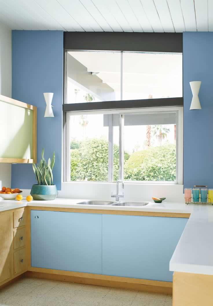 Kitchen blue hydrangea (2).jpg