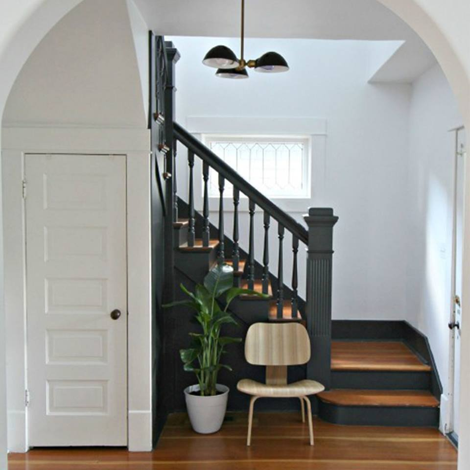 entry Midnight Oil 1631 (stairs) and Decorators White CC-20 (walls).jpg