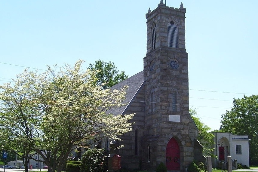 Saint_Thomas_Episcopal_Church.jpg