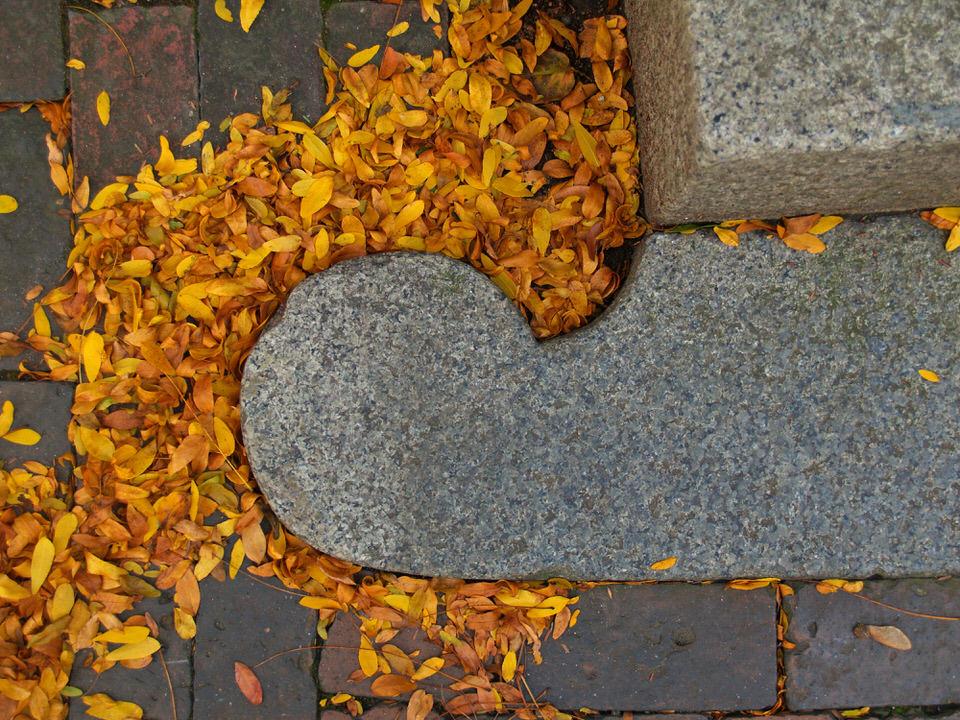 Granite scroll