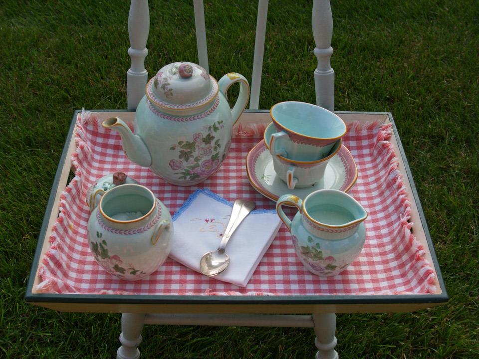 M's tea tray