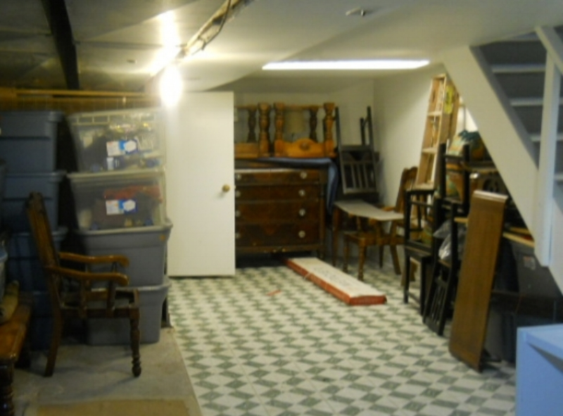 No load bearing walls at all in this basement