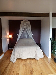 Lotus Suite Queen Pillow Top Bed