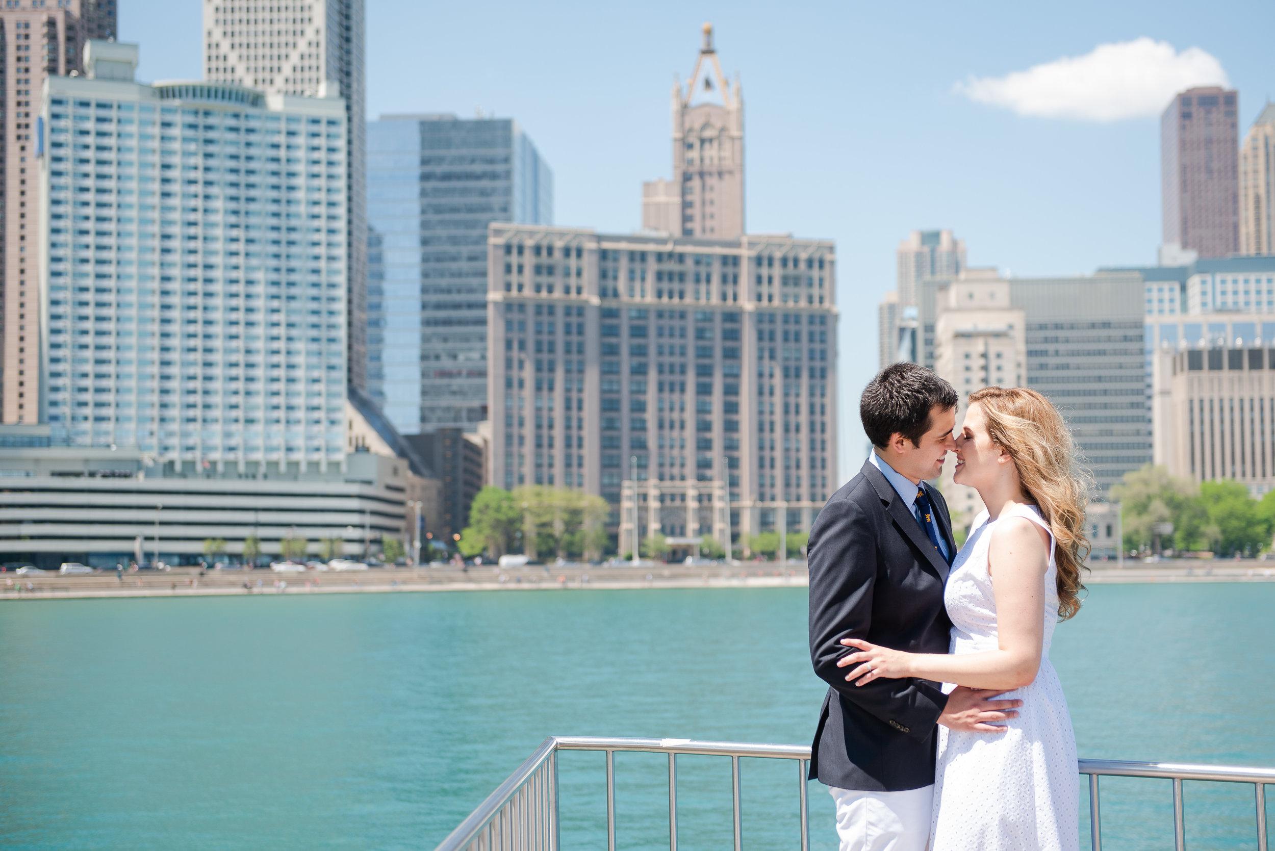 Chicago-downtown-summer-engagement-session-Kimberly-Hernan-MettsPhoto-2.jpg