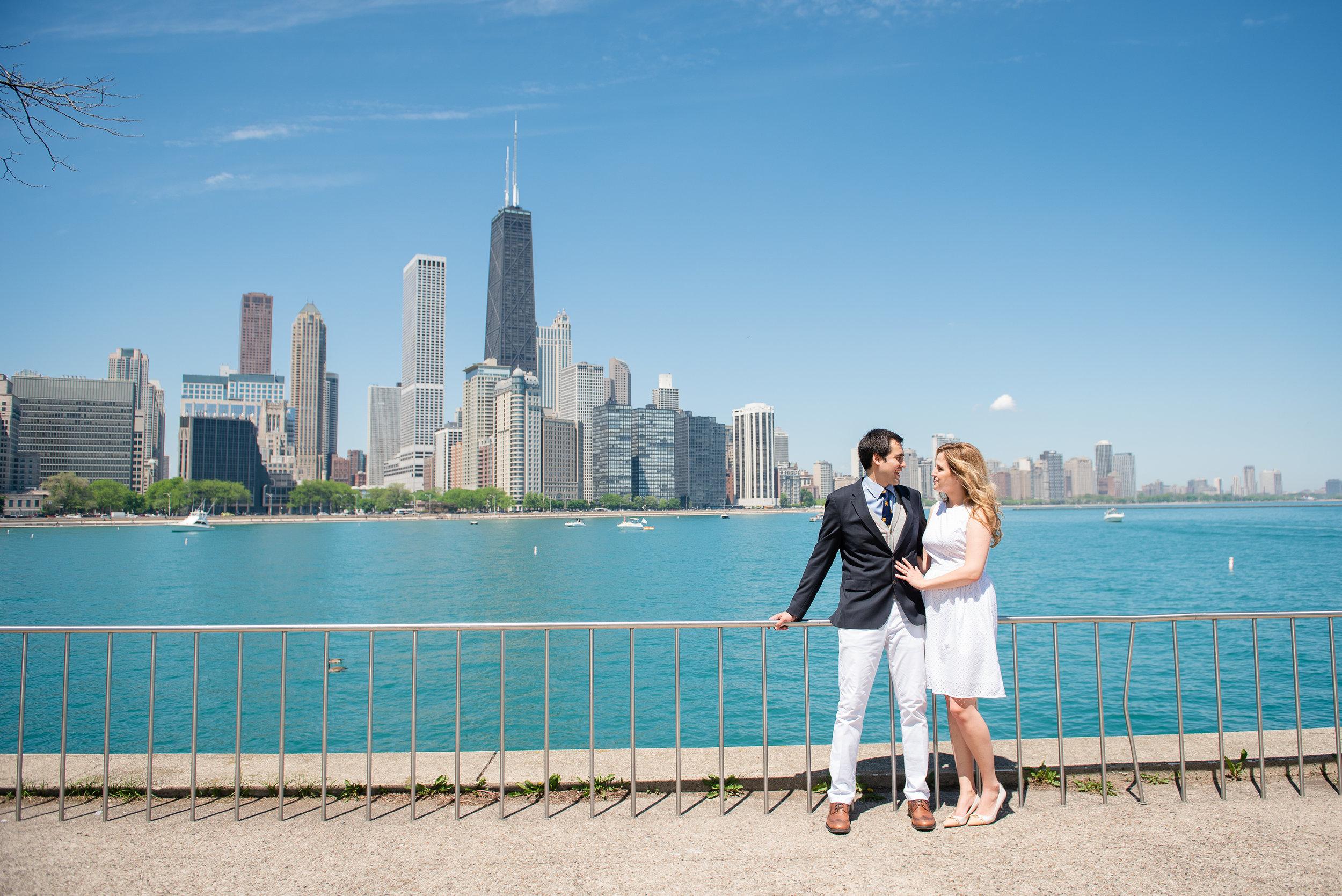 Chicago-downtown-summer-engagement-session-Kimberly-Hernan-MettsPhoto-1.jpg