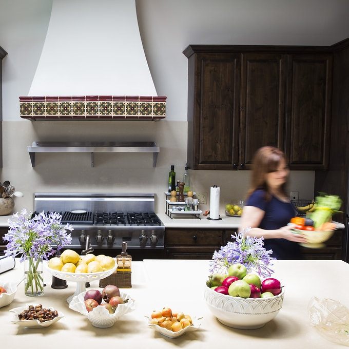 square kitchen blur.jpg
