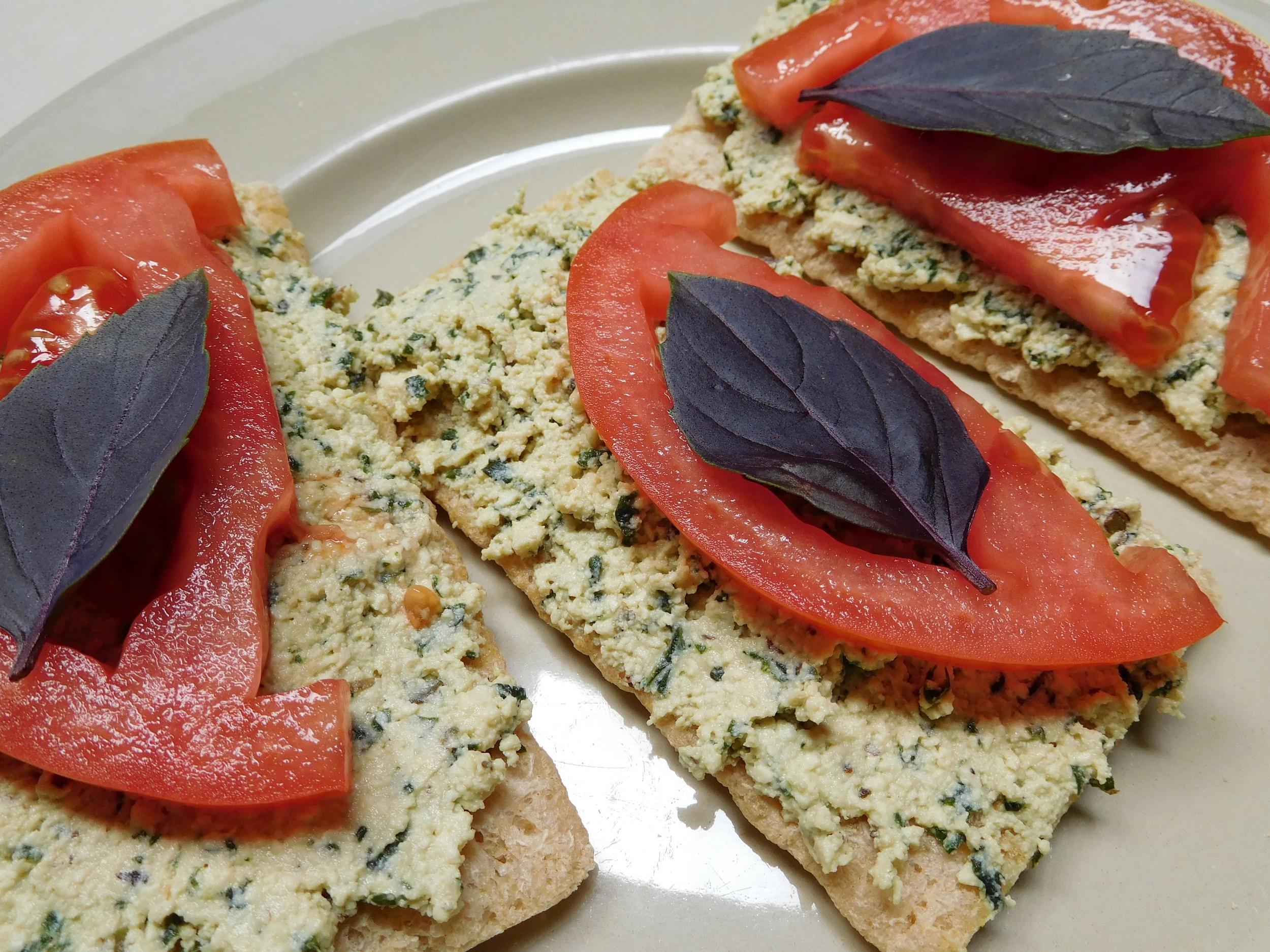 tofu ricotta on crackers.JPG
