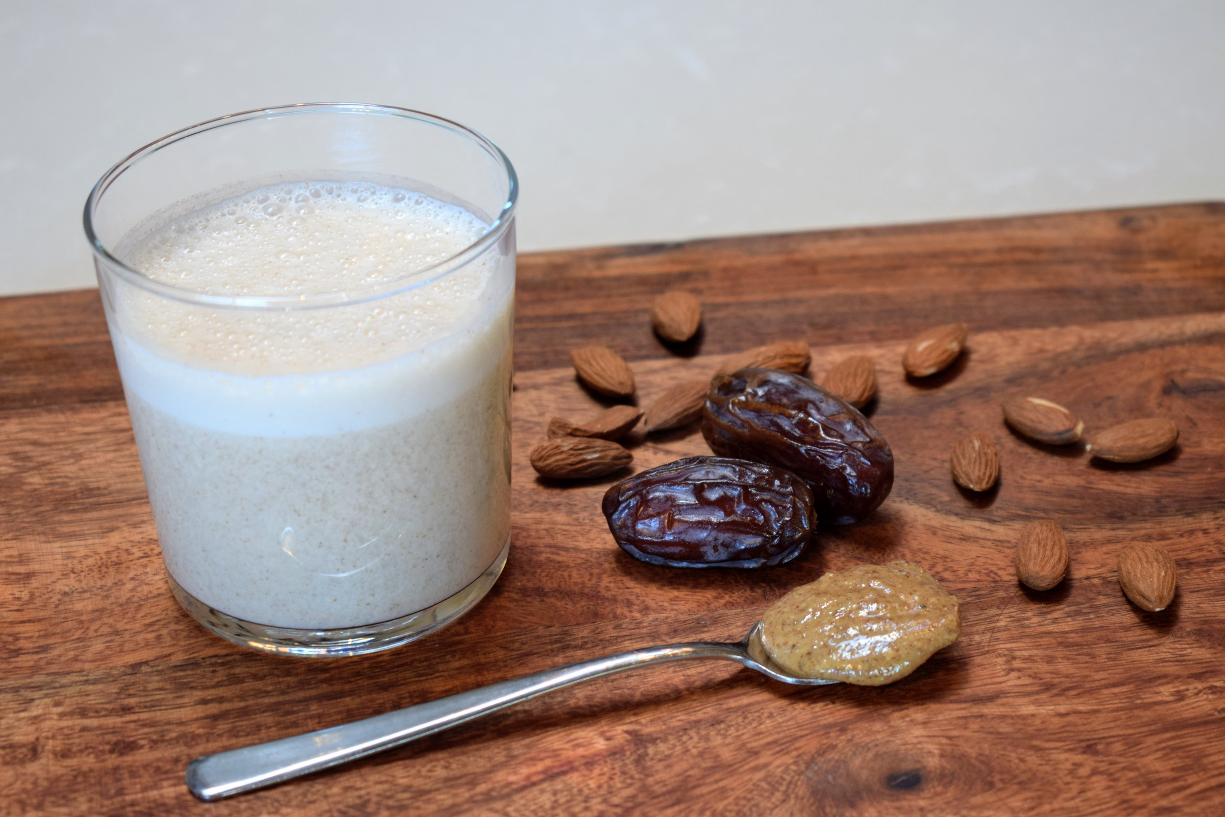 Almond milk - homemade.JPG