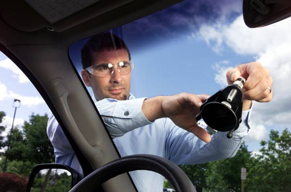 windshield repair service technician