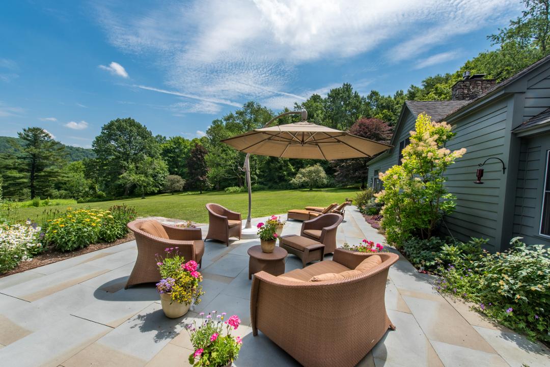 backyard landscaping.jpg