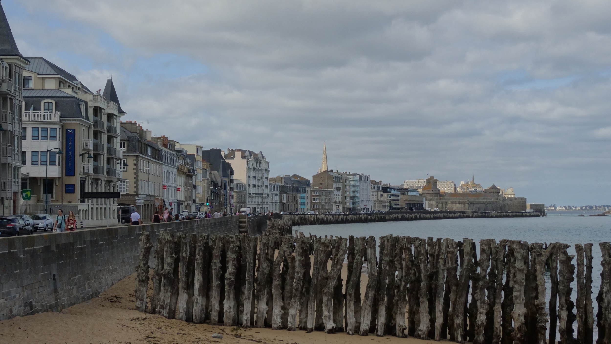 St. Malopromenade. I never did find out what those old posts were. Maybe the remains of an old dock?