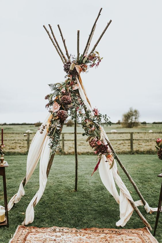 Tipi Wedding, INCLUDES TIPI, Flowers, FABRIC, SET UP & TAKE DOWN - $900