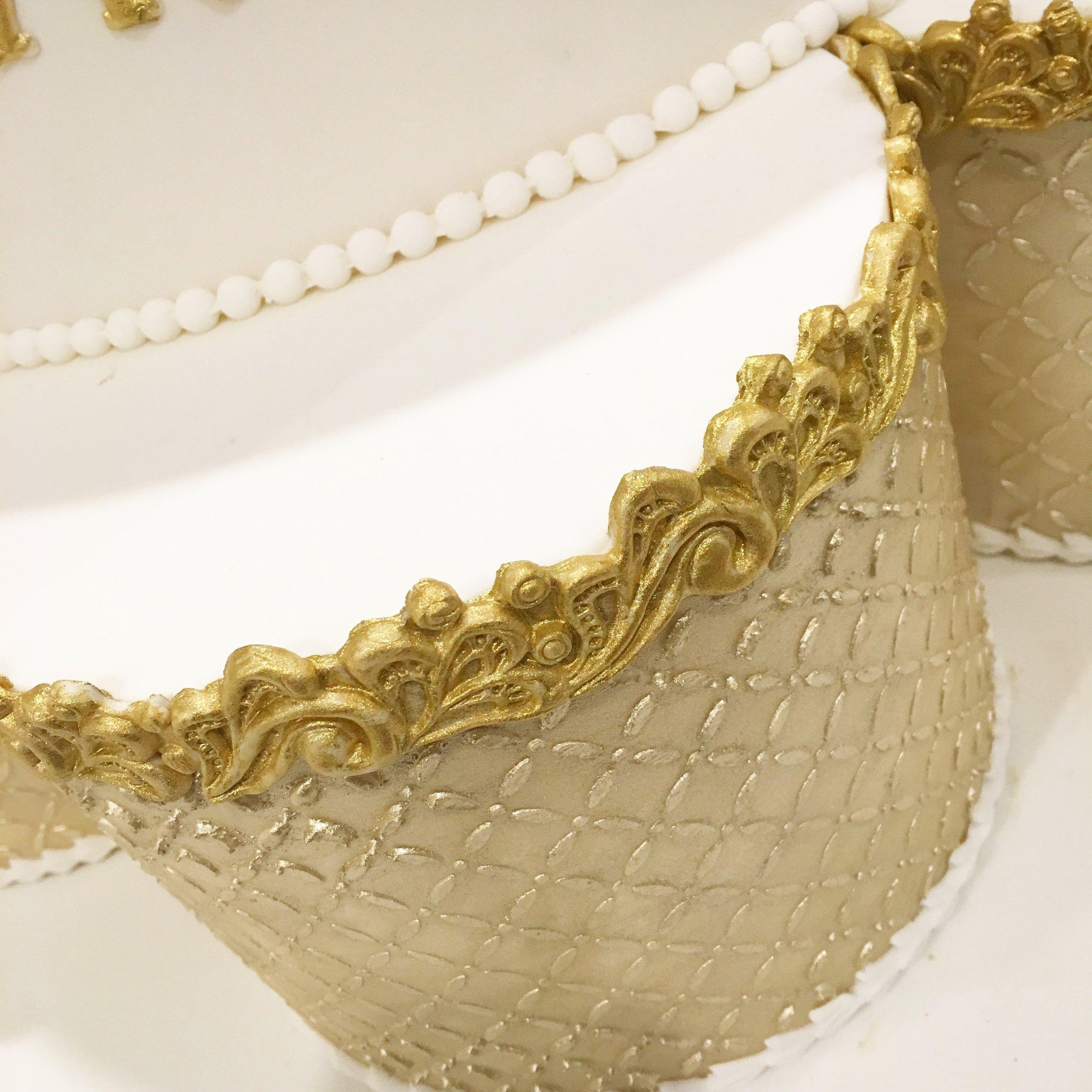 Gold moulded edging