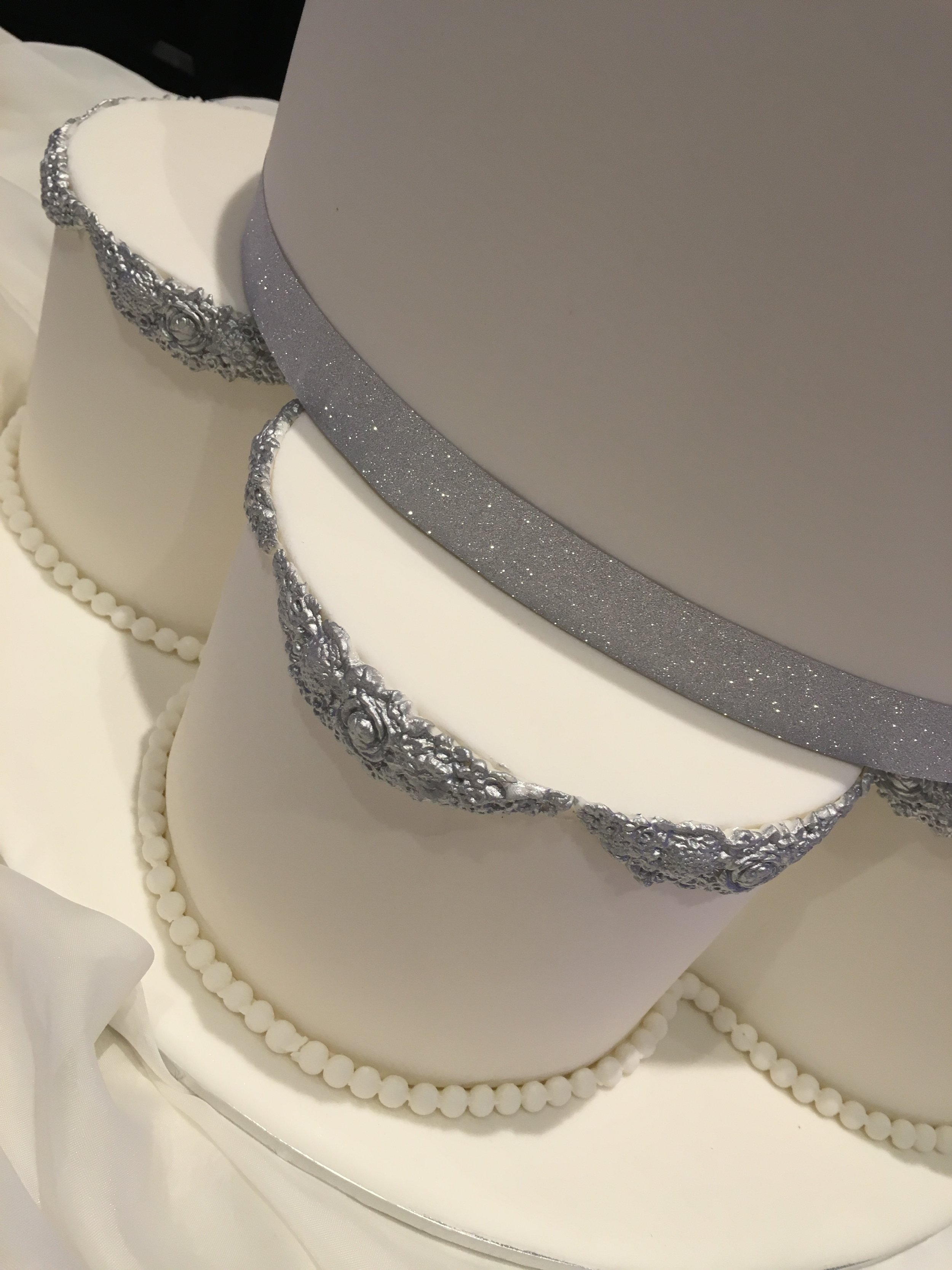 Silver Moulded Edging