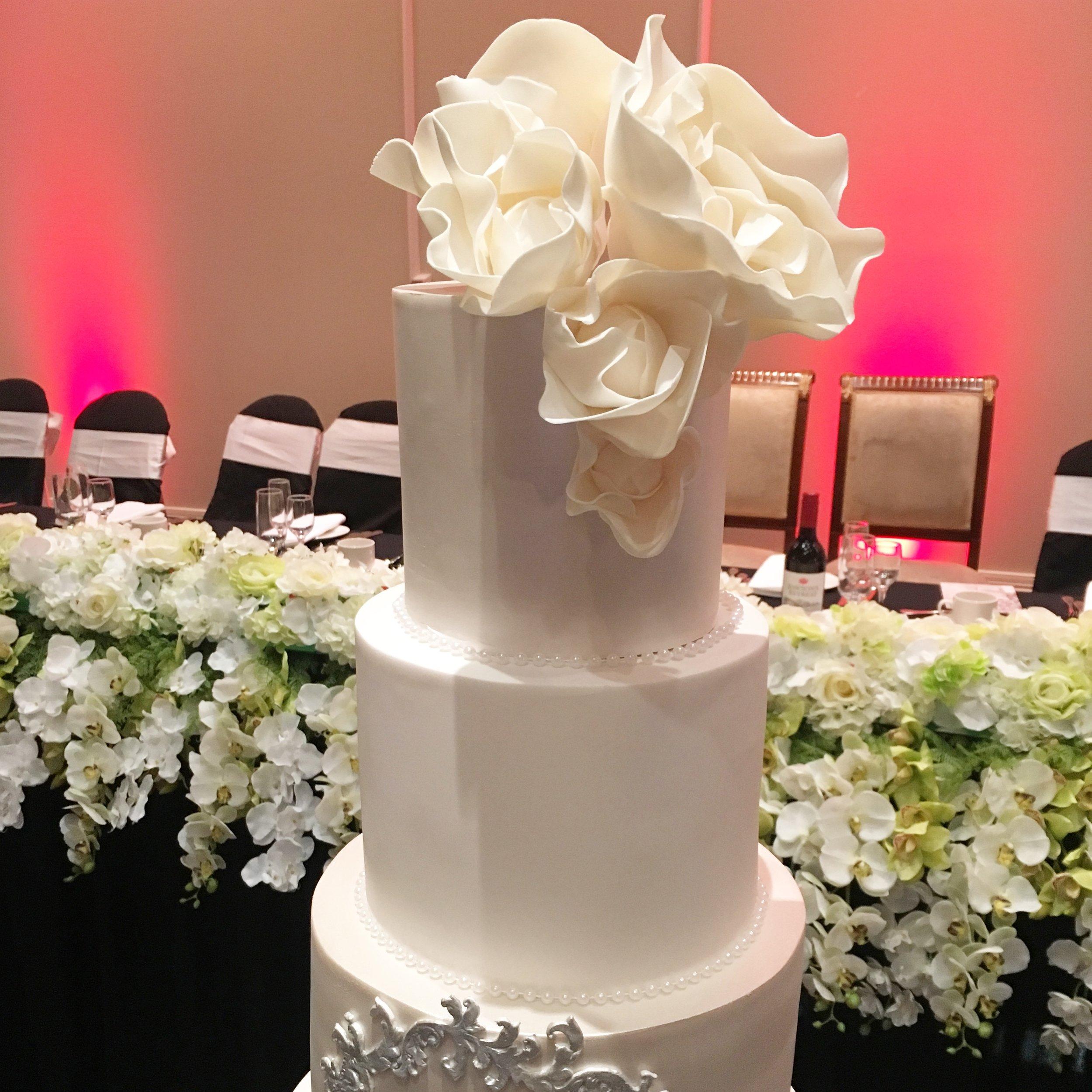 Sugar Flowers on Large Wedding Cake