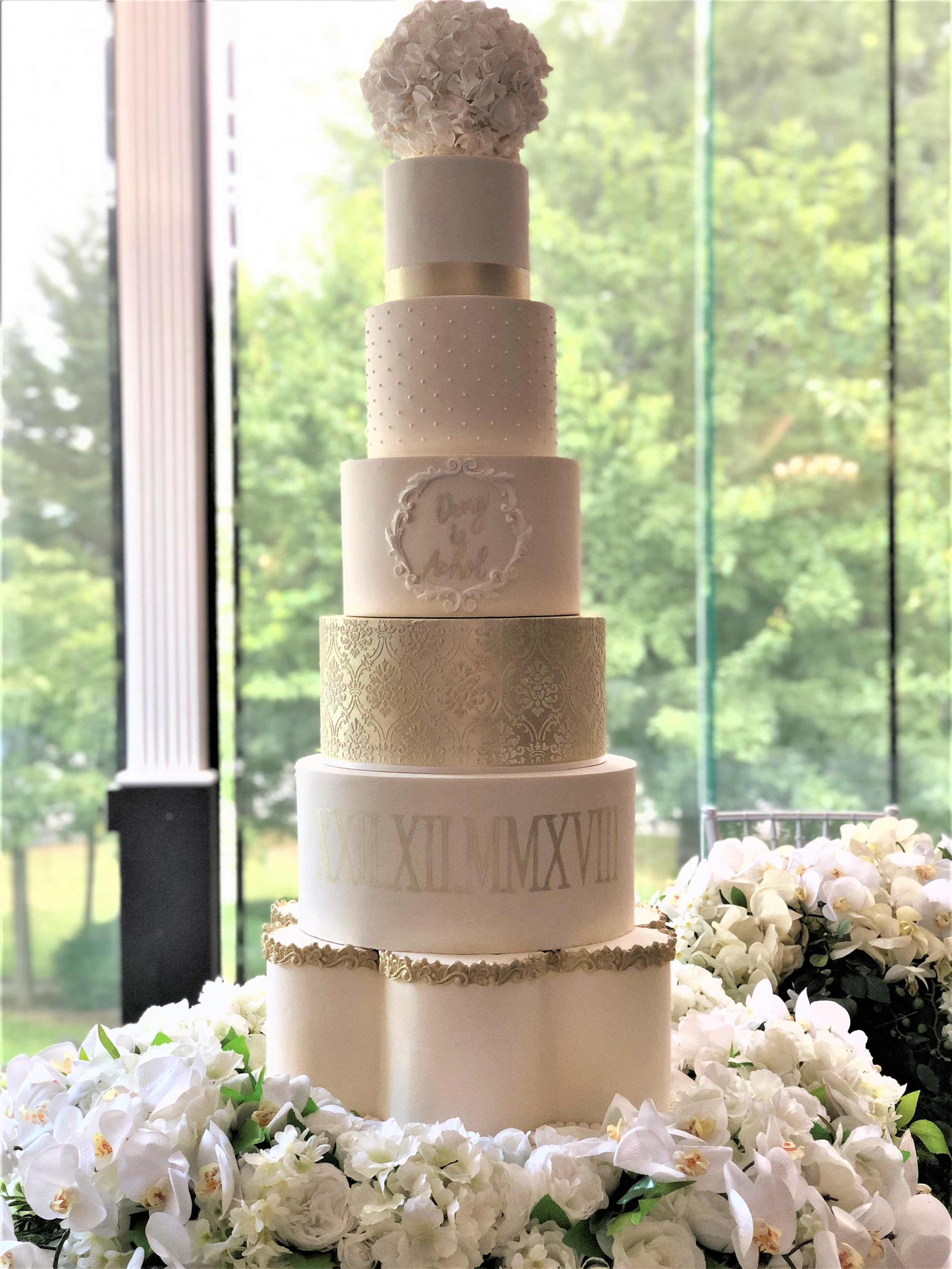 Champagne Gold and Ivory showstopper wedding cake