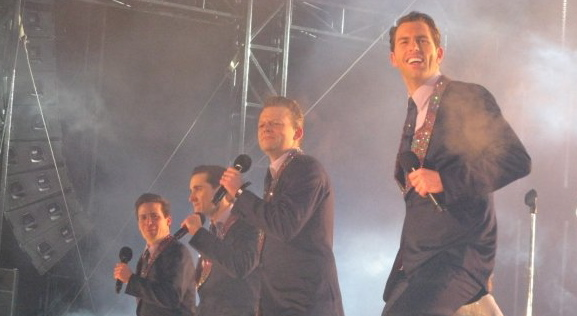 2009 LIVE CityTV New Years Eve performance in Nathan Phillips Square in Toronto with the Original Canadian Company of Jersey Boys . It was minus 30 degrees Celcius
