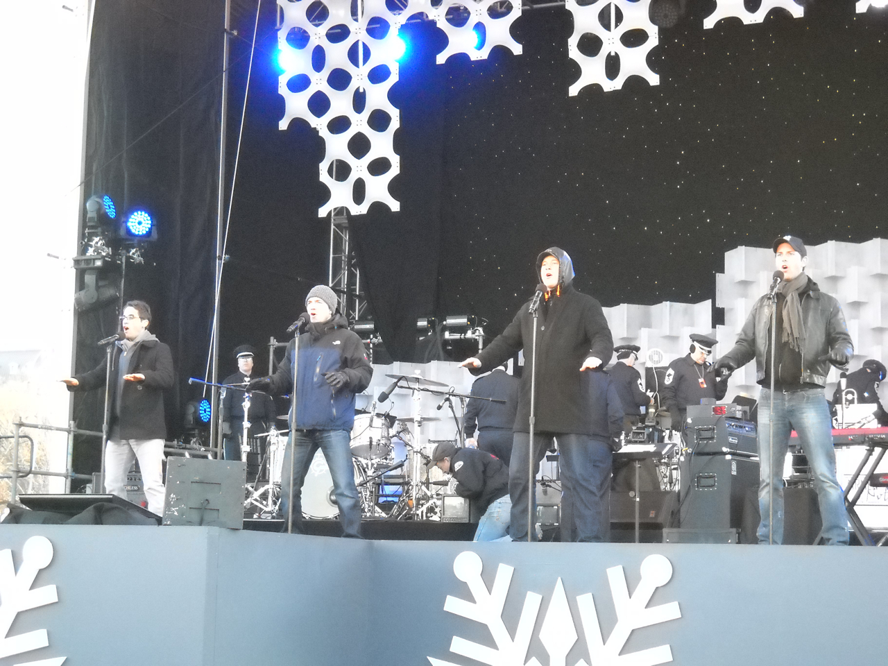 Sound checkwith the Jersey gents of the US First National for our performanceat the  2011 White HouseNational Christmas Tree Lighting