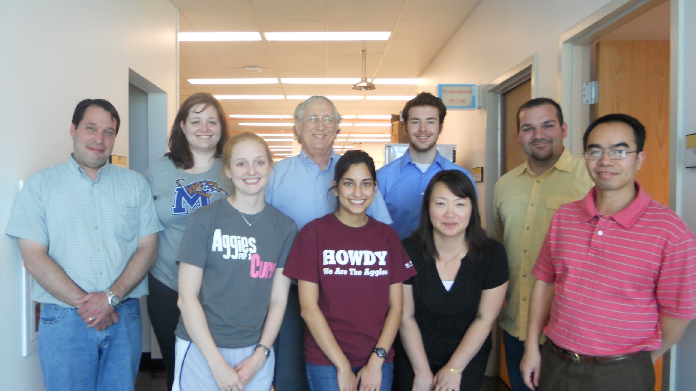 Dr. Leibowitz and lab members. Photo courtesy of Dr. Leibowitz