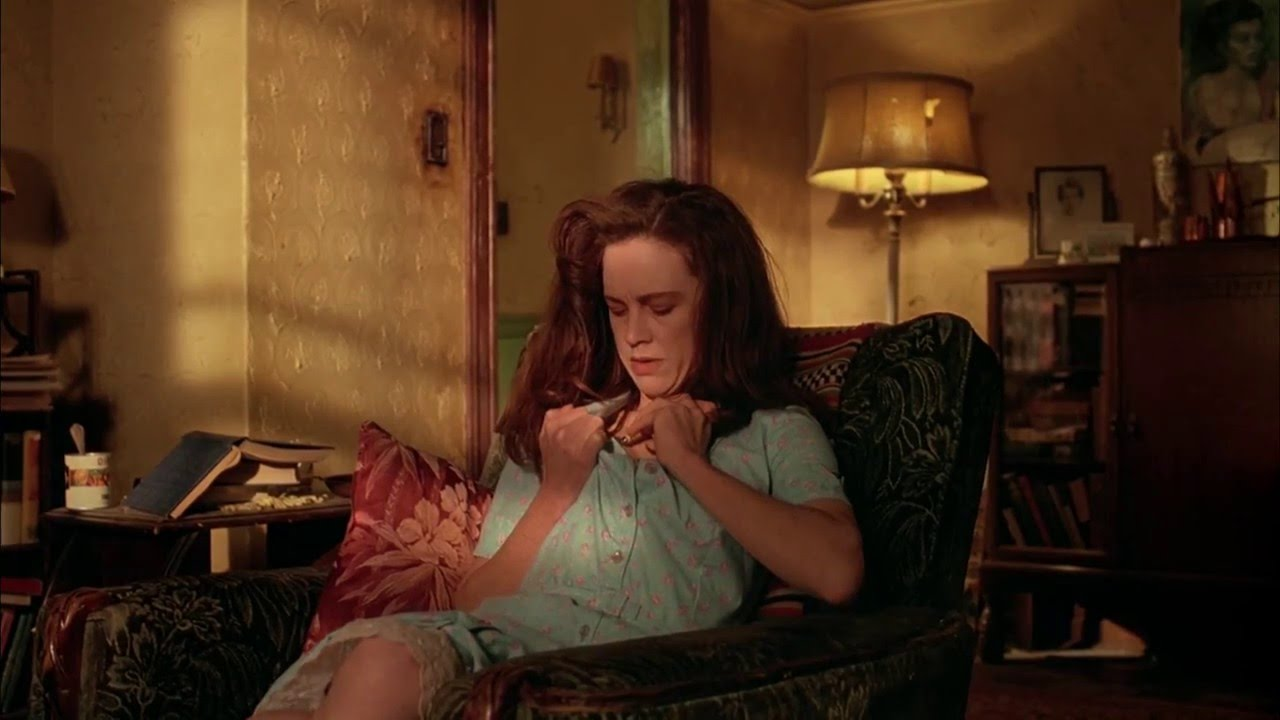 Judy Davis as Joan Lee (and later, her doppelgänger Joan Frost) in Cronenberg's  Naked Lunch  (1991).
