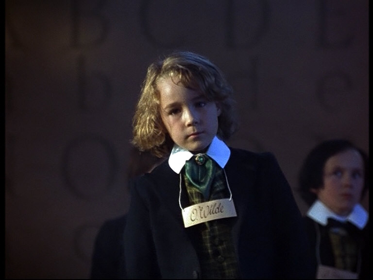 Young Oscar Wilde ( Luke Morgan Oliver ).