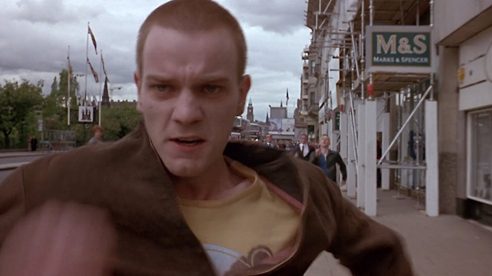 trainspotting-1996-019-opening-ewan-mcgregor-running.jpg