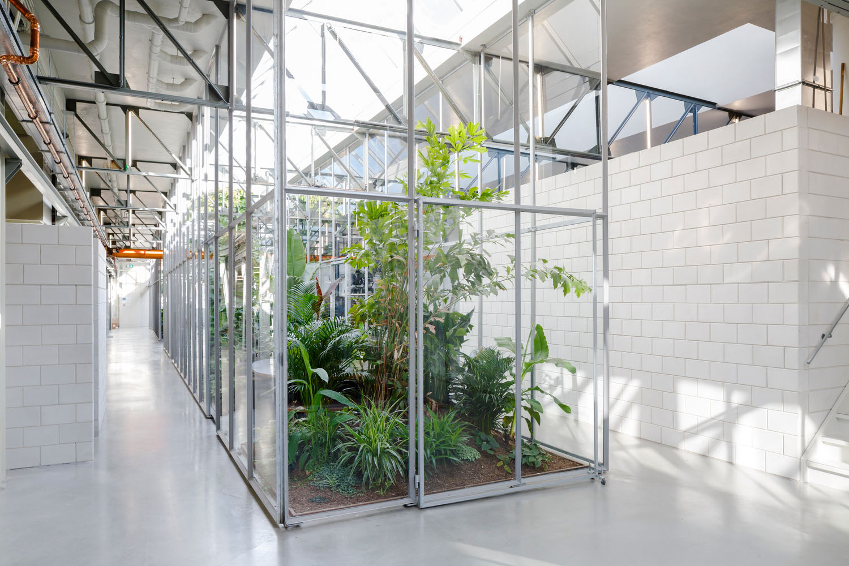 client: Space Encounters  project: Joolz headquarters