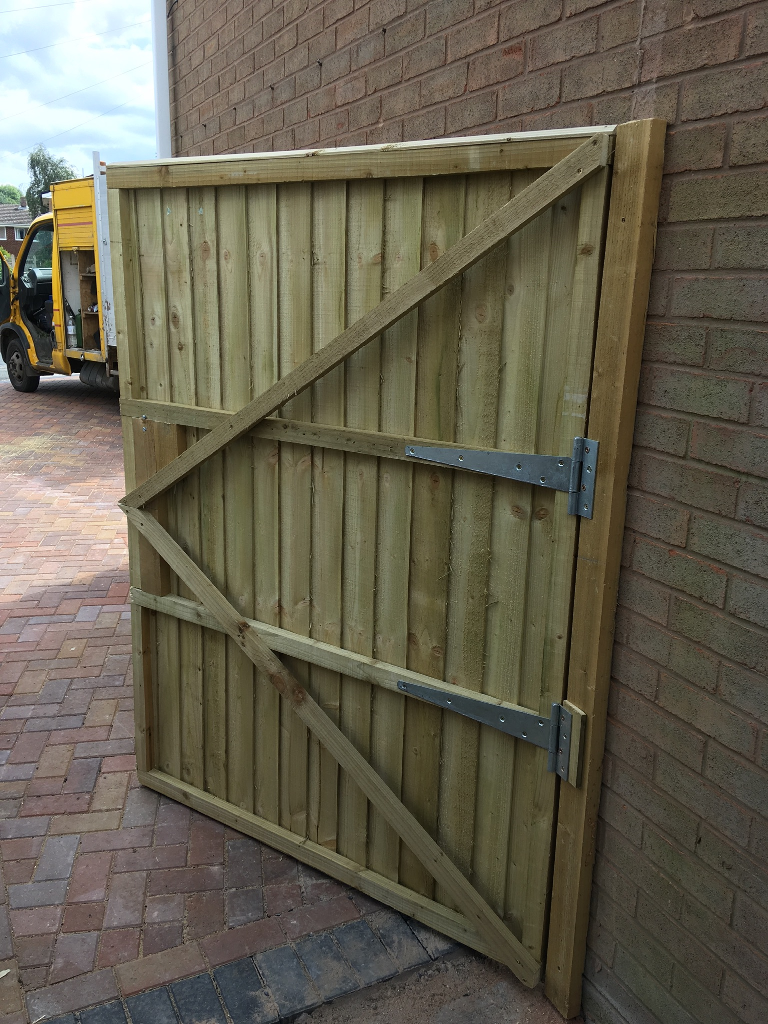 Secure side access gate installation building chirk, wrexham oswestry.JPG