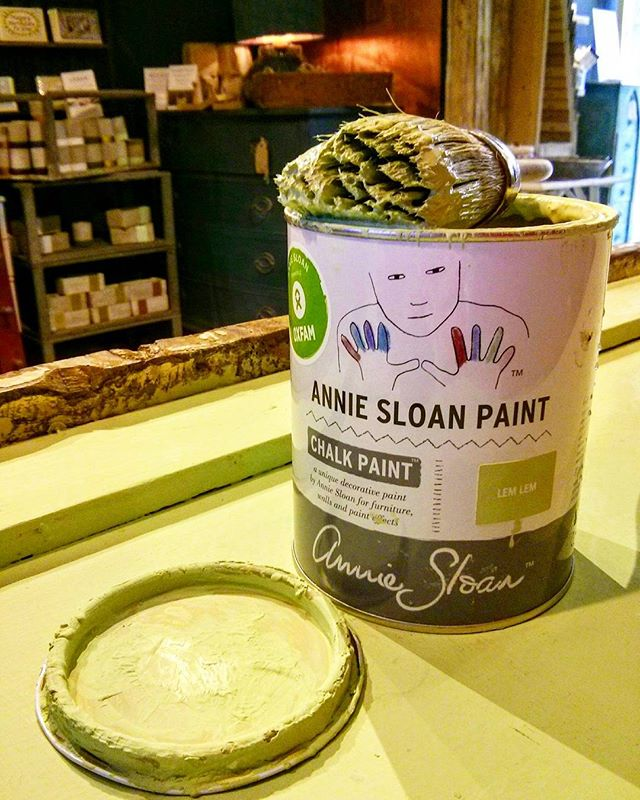 Not that we're obsessed or anything... Freshening up our counter with Annie's gorgeous new #chalkpaint colour! Available to buy from this Thursday 12th Oct. We're celebrating all day in our #oxford shop with #ethiopiancoffee, food & #ethiojazz. Come and join us! ... #anniesloan #anniesloanandoxfam #independentoxford #oxfordevents #furniturepaint