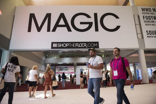 web1_magicshow-aug16-16_013_6830966.jpg