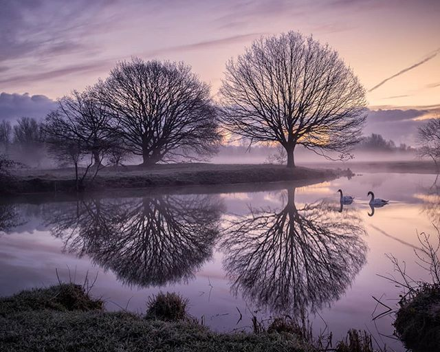 A few weeks ago from another glorious frosty and misty morning at Flatford on the River Stour.  http://ow.ly/w0aP30izToW  #landscapephotography #landscapelover #landscape_captures #landscapes #appicoftheweek #picoftheday #picoftheweek #photooftheday #landscape_photography #landscapecaptures #landscapephotomag #getoutside #scape_captures #LPM #fotocatchers #flatfordmill #osmaps #bestukpics #visitsuffolk #ukgreatshots #bestukpics #ukshooters #topukphoto #ukpotd #scenicbritain #britishlandscape #lovebritain #canonuk #stour
