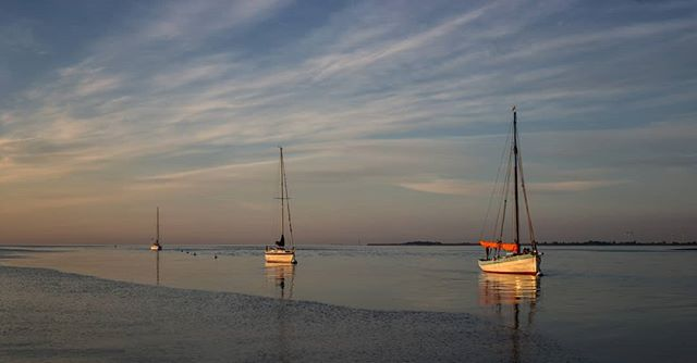 A rather tricky pano stitch was worth persevering with. Mersea again, I'm feeling a bit like I've done that now!!! http://ow.ly/qnDM30emb7X  #landscapephotography #landscapelover #landscape_captures #landscapes #appicoftheweek #picoftheday #picoftheweek #photooftheday #Mersea #landscape_photography #landscapecaptures #landscapephotomag #getoutside #scape_captures #LPM #visitmersea #osmaps #bestukpics #visitessex #ukgreatshots #bestukpics #ukshooters #topukphoto #ukpotd #scenicbritain #britishlandscape #lovebritain #canonuk #mycanon #seascape