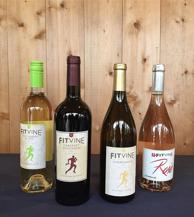 Huge thanks to our run/walk 5-10k sponsor @fitvine_wine 🍷 our runners were awarded with wine at the end of their run - well deserved 👏🏼 #mvfoodandwine #marthasvineyard #wine #fitvinewine  #run #walk #brunch.
