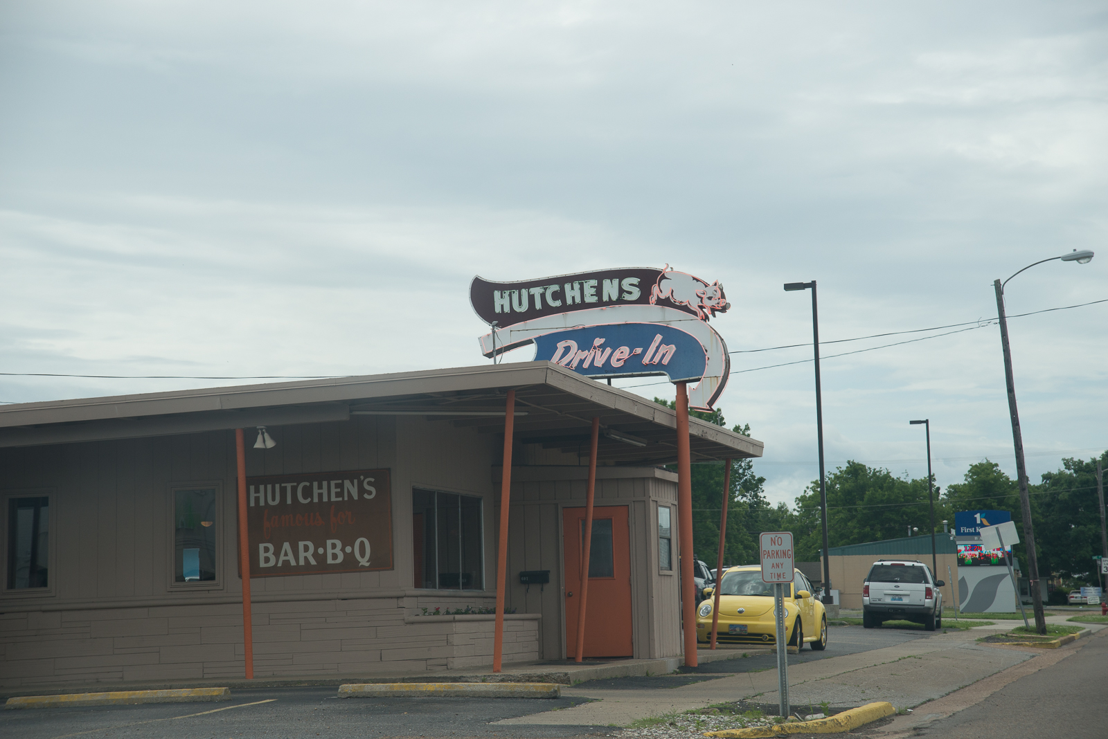 Hutchen's Drive In is DEEEELICIOUS! The bbq comes with the sauce on the side, the way it should be... Benton KY.